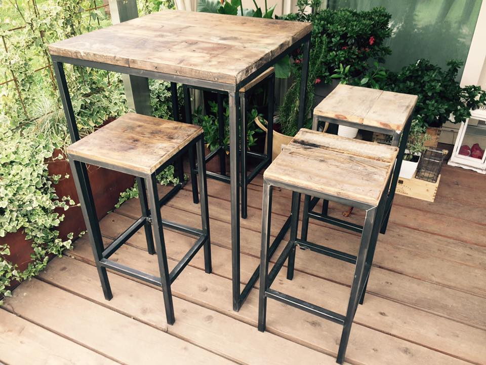 Tavolo alto con sgabelli – antonioceneda.com